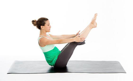 Pose de Yoga Bateau Paripurna Navasana